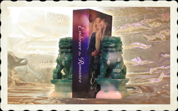 paperback and bookends giveaway